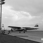 セスナ170と日本航空のダグラスDC-6B 1955年(昭和30年代)中ごろ。