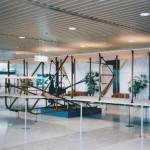 ライトフライヤー(レプリカ) 新千歳空港ターミナルビル所蔵 1997年4月 (坂)