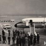YS-11国内線就航 日本国内航空が日本航空機製造(YS-11製作会社)から試作2号機をリースし、国内線に初就航した日。1965年(昭和40年)4月1日。(小)