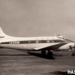デハビランドDH104ダブ(宮崎空港) 近距離路線の旅客便や物資輸送などに使われた。350HP×2、座席数8~11。 1963年(昭和38年)頃。