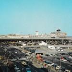 ターミナル全景 1974年(昭和49年) (空港ビル㈱絵はがき)