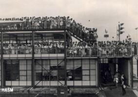 国際線のお見送り 1965年(昭和40年)頃。(坂)