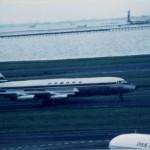 日本国内航空のコンベアCV-880「銀座号」 後に訓練中に事故で失われた。1965年(昭和40年)頃。(渡)
