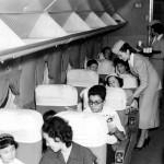 日本航空の機内 スチュワーデス1期生
