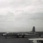 フライング・タイガー航空のカナディアCL-44貨物機
