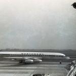 ノースウエスト航空のダグラスDC-8