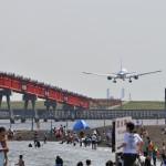 B滑走路に着陸する全日本空輸のボーイング777